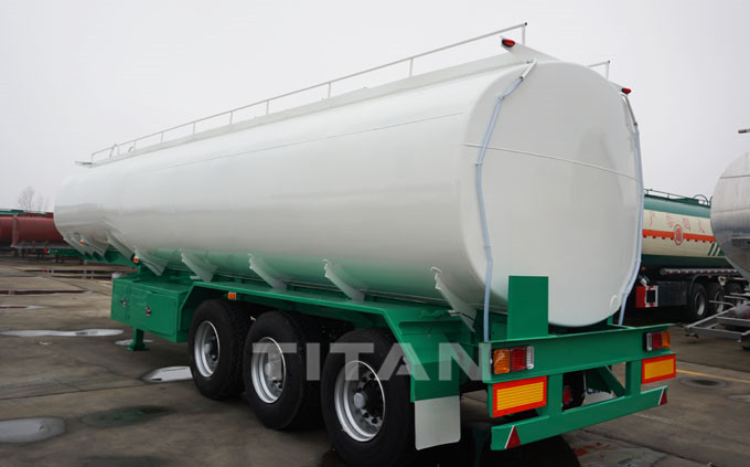 china manufacture of 3 axle 40000 litres fuel tanker 5.jpg