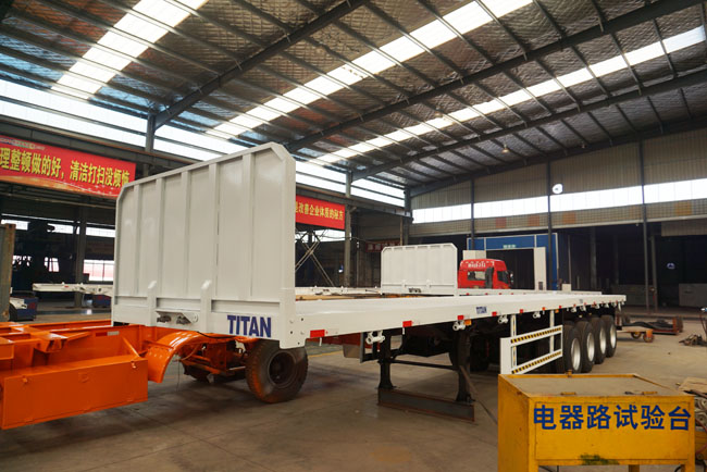 Titan 4 Axles Flatbed Trailer (1).JPG