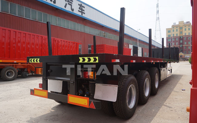 flatbed trailer with headboard and column (3).JPG