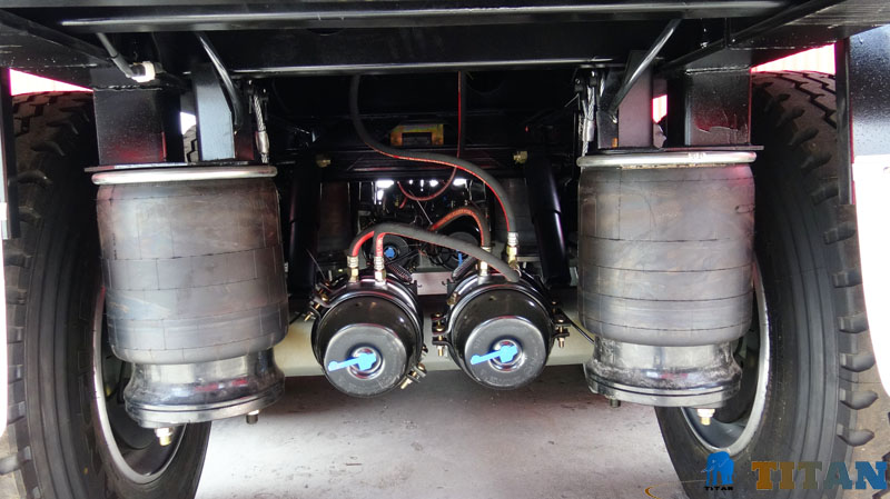 TITAN Air bag suspension -TITAN Flatbed semi trailer.jpg